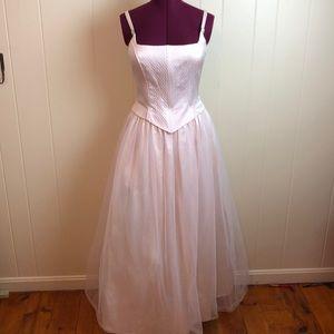 Gunne Sax Pink Silver Sleeveless Ball Gown
